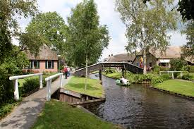 Giethoorn Holland Homes For Sale by Giethoorn The Venice Of The Netherlands Apparently