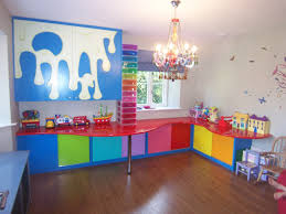 Bedroom Cheerful Play Room Design For Kids With Square White Wall - Bedroom play ideas