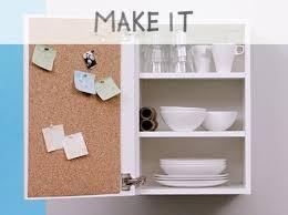 panneau cuisine diy ajouter un panneau en liège à une armoire de cuisine leroy