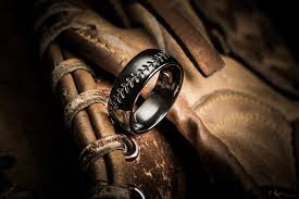 Baseball Wedding Ring by Country Star Jason Aldean Pegs Linden U0027s Titanium Buzz For His