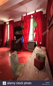 chambre avec vue saignon provence chambre de sejour avec vue stock photos chambre de sejour avec vue