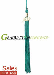 tassels graduation 30 best graduation gowns caps and tassels for high school middle