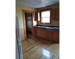2 Bedroom Apartments In Lynn Ma 79 Lake View Ave Lynn Ma 01904 Rentals Lynn Ma Apartments Com