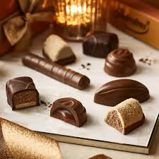 christmas nuts nuts and praline christmas collection christmas gifts thorntons