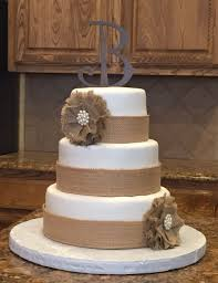 chabby chic wedding cake country wedding cake with burlap accents