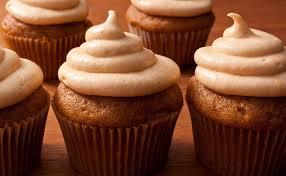 pumpkin spice cupcakes thanksgiving dessert recipes pictures