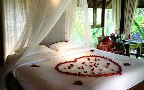 chambre amoureux déco romantique dans la chambre à coucher pour st valentin