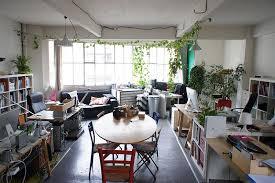 bureau partagé partagé dans un bel atelier à belleville