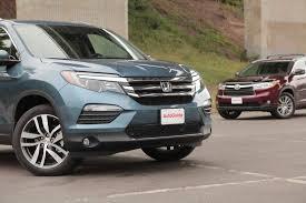 honda crossroad 2014 2016 honda pilot vs 2015 toyota highlander autoguide com news