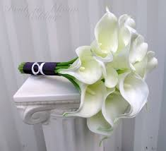 bouquet of lilies bridesmaid bouquet white calla wedding bouquet