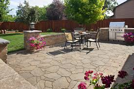 Patio Retaining Wall Pictures Columbus Paver Patio With Retaining Wall Outdoor Kitchen