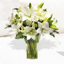 bouquet of lilies all white mixed bouquet with lilies and chrysanthenum í húsi
