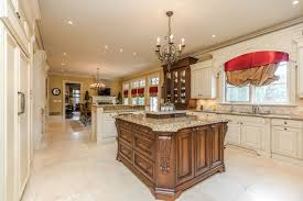 Kitchen Centre Islands 76 Scotch Valley Drive King City Caledon Country Homes Luxury