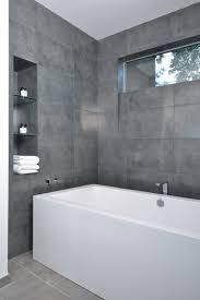 badfliesen grau bad grau gefliest informalstar auf badezimmer plus design5001077