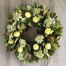 Magnolia Leaf Wreath Would Love This For My House The Magnolia Leaves And Lemons Are