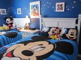 chambre mickey bébé décoration chambre mickey mouse