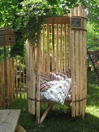 tonnelle en bambou la cabane de julia u2026 u2026 camp pinterest les cabanes cabanes