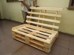 fabriquer un canapé en bois comment fabriquer un canapé en palette tuto et 60 idées in