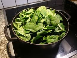 cuisiner epinard epinards frais temps de cuisson et astuces de préparation
