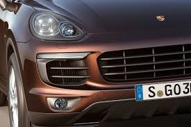 porsche suv 2015 2015 porsche cayenne facelift revealed gets 410hp plug in hybrid