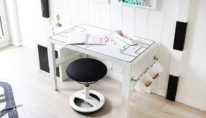Schreibtisch Lang Schmal Do It Yourself Schreibtisch Für Fussballfans Selbst Bauen