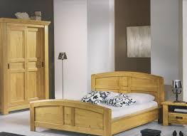 chambre en chene massif chambre à coucher en chêne massif style cagne région