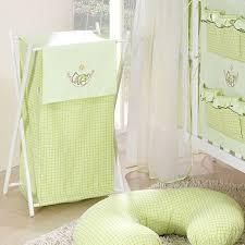 chambre garcon vert panier à linge chambre bébé vert vichy ours hamac l jurassien