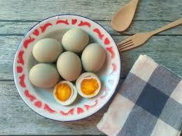 membuat telur asin berkualitas ini cara bikin telur asin sendiri di rumah womantalk