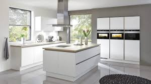 moderne kche mit kochinsel moderne küchen mit insel sachliche auf deko ideen auch küche
