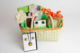 thoughtful presence 5 great gift basket ideas for women
