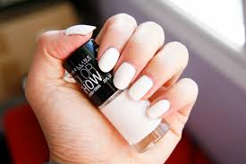 fun size beauty maybelline color show nail lacquer in porcelain party