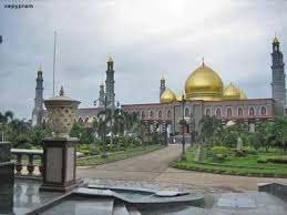 99 best indonesian masjid images on pinterest mosques beautiful
