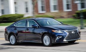 lexus sedan 2016 2016 lexus es u2013 review u2013 car and driver