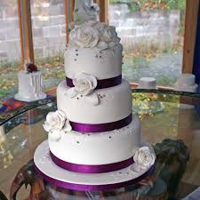 amethyst wedding cake with a purple amethyst theme