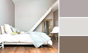 repeindre une chambre en 2 couleurs peindre chambre 2 couleurs peinture chambre fille bebe re idee