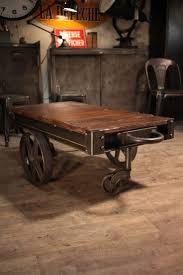 Table Basse Verre Roulette Industrielle by