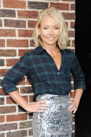 kelly ripa hair 2015 ripa arrive to appear on the late show with david letterman