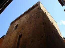 a casa bologna bologna casa torre dei catalani emilia romagna
