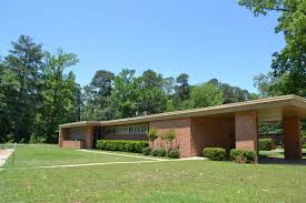 Midcentury Modern House - aetn clean lines open spaces a view of mid century modern