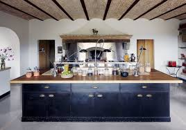 ilot de cuisine antique cuisine avec îlot central pourquoi l adopter et comment en tirer