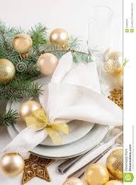 gold christmas table decorations christmas table setting ideas