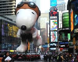 27 memorable macy s thanksgiving day parade balloons snoopy