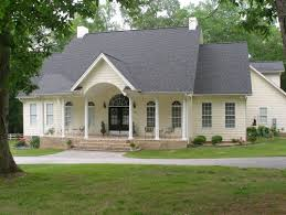 Pale Yellow Paint Need Siding For The House Thinking Of Pale Yellow I Like This