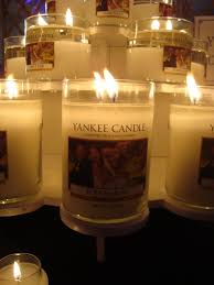 personalize candles idea for your wedding favors who knew yankee candle would