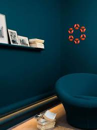 navy blue contemporary room setting featuring calabasas molding