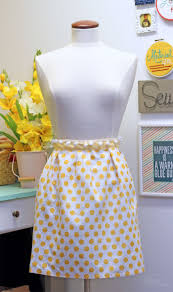 15 cute diy apron patterns for keeping clean in the kitchen the