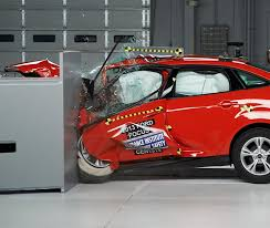 si e auto crash test 2018 ford focus