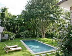 Pool In The Backyard by Best 25 Small Pools Ideas On Pinterest Plunge Pool Small Pool