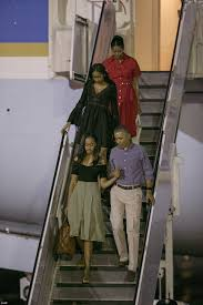 the obamas arrive in hawaii for their final vacation as first