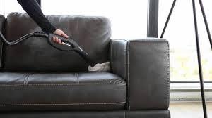 nettoyage canapé nettoyage cuir canapé liée à comment nettoyer un canapé en cuir avec